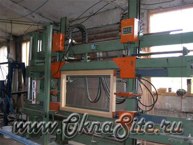 Рамочный пресс для деревянного окна
